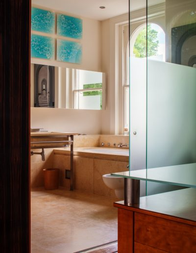 Ensuite Bathroom with Glass Pannels